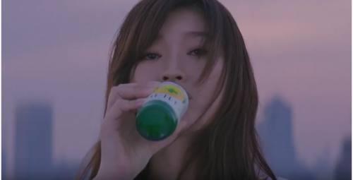 キレートレモンCMの女優は誰?ハッピーバースデーソングも美しい!(篠原 涼子)