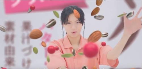 マクロビ派CMの女優は誰?ビスケットを食べる女の子を調べてみた!(榮倉 奈々)